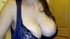 Super CamMom with Amazing Boobs