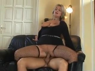 Free download & watch mature milfs         porn movies