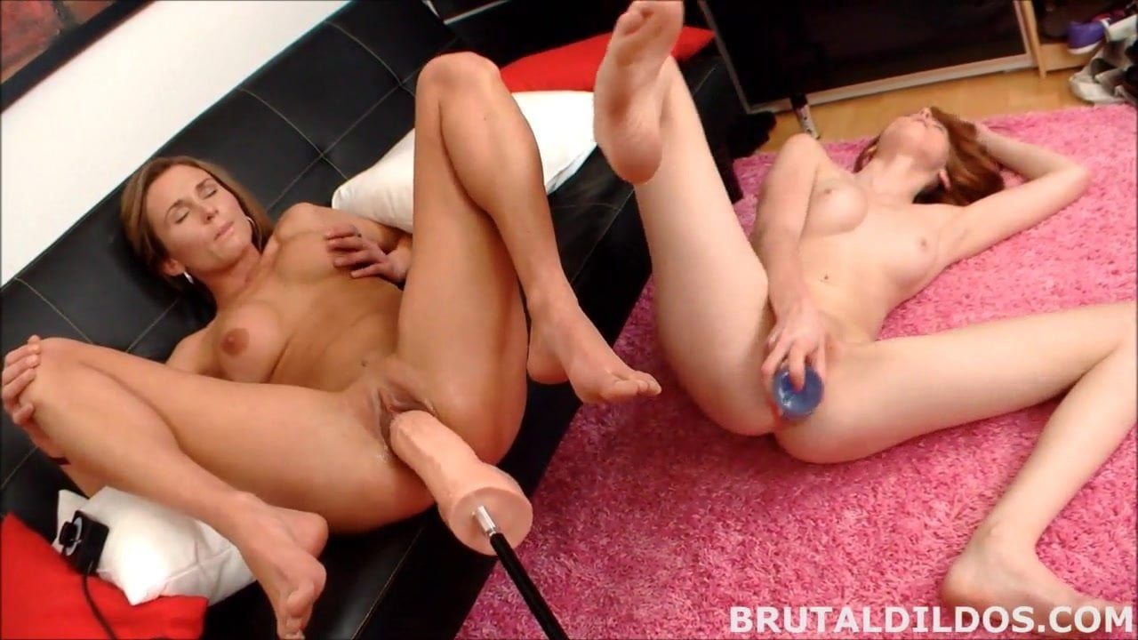 lesbians-using-huge-dildos-on-redtibe