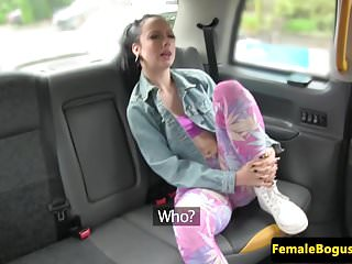Public cab babe pussylicked by backseat punk