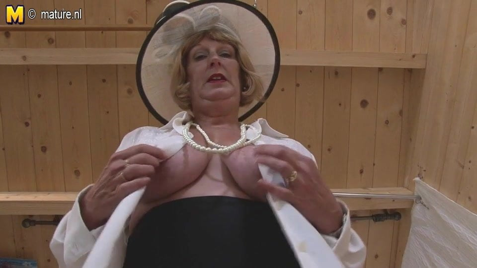 Nude double penetration tranny