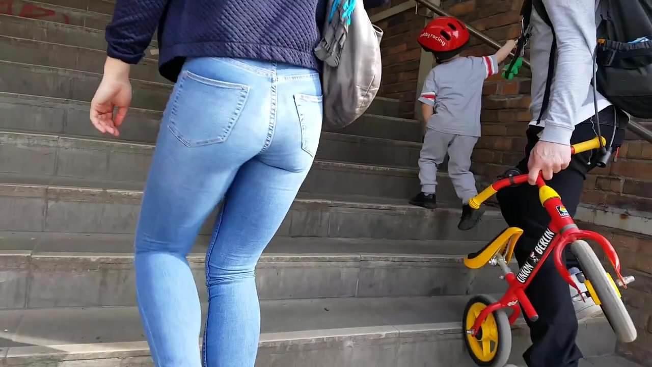 Candid MILF Schöne Arsch In Jeans
