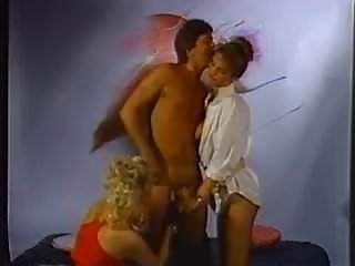 Naked Night (1985)