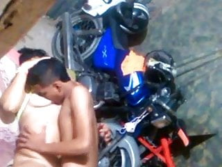 Download video bokep FLAGRA NA GARAGEM  Mp4 terbaru