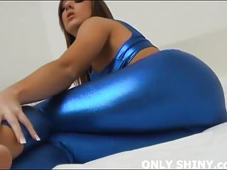I how these tight blue spandex shows off my curves