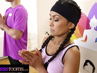 Fitness Rooms Tiny Asian cutie Suzie Q blows perv yoga