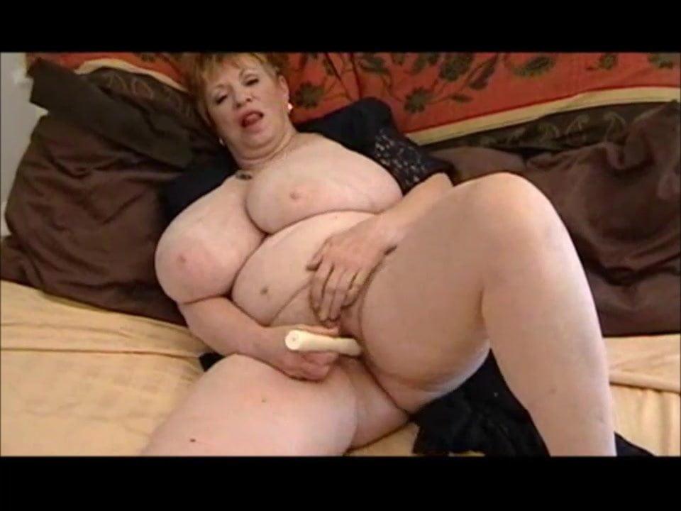 hawain nude big boobs