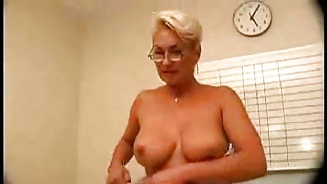 Big beautiful mature 50 s sex