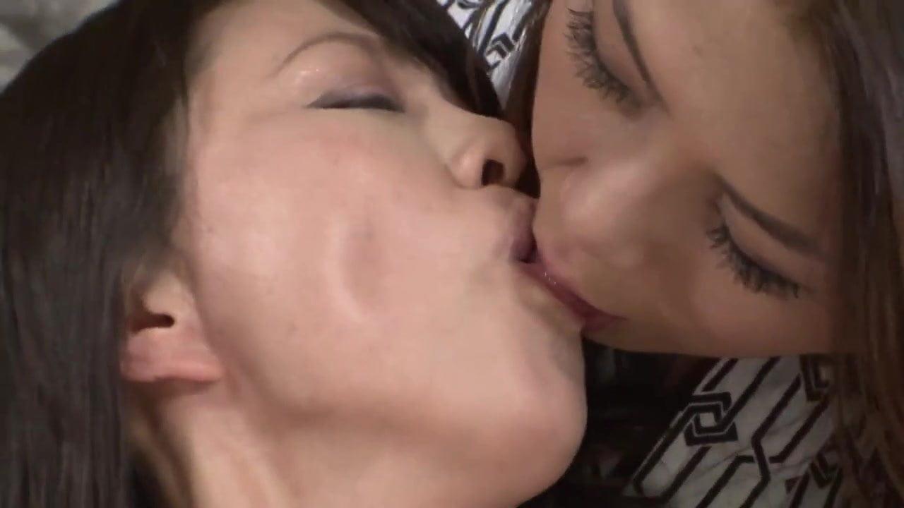 Japanese lesbian porn sites