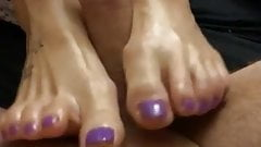 Ballmassage with her pretty sexy feet's Thumb