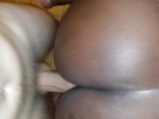 ma black mature et son gros cul me vide bien les couilles