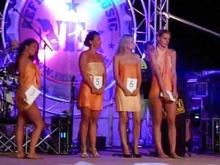 gang bang porno striptease contest
