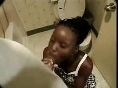 TEEN SOLO IN BATH