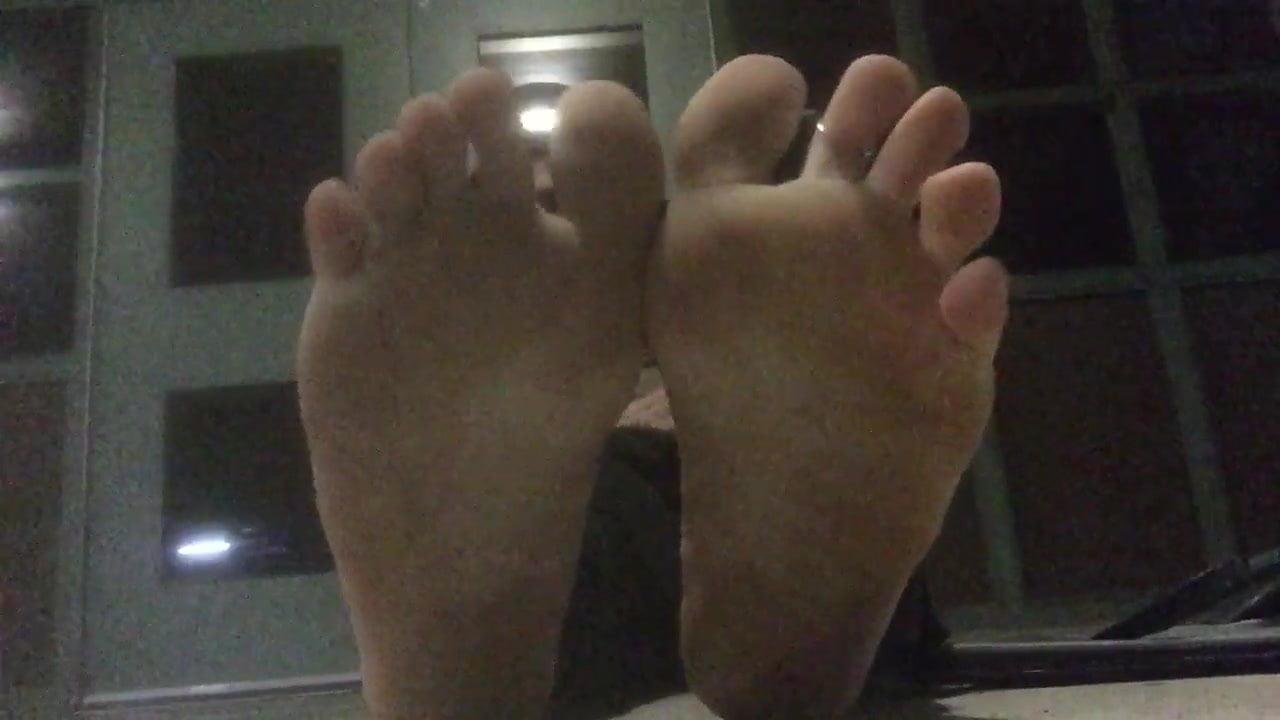 Public bare feet 2