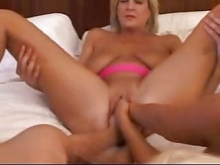 Hand in pussy xxx