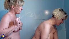 Mature lesbians fuck in shower