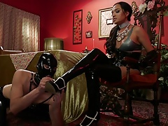 Arranging a Tea Party with Jessica Fox