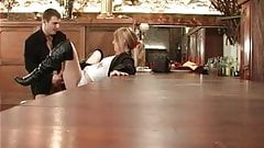 teen niquee sur le bar