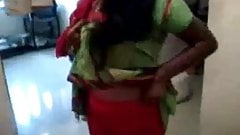 Busty Boobs indian Aunty expose her Hairy Pussy