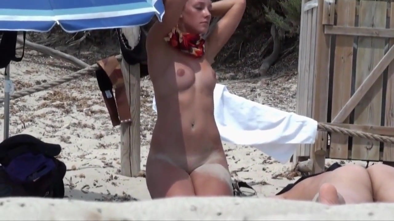 Hidden Cam Of Young Nude Woman On The Beach Free Porn 50-5798