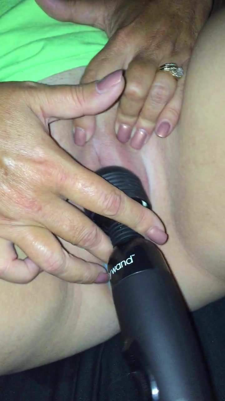 Getting Very Wet with her Vibrator 98%