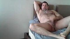 Amateur bear masturbates
