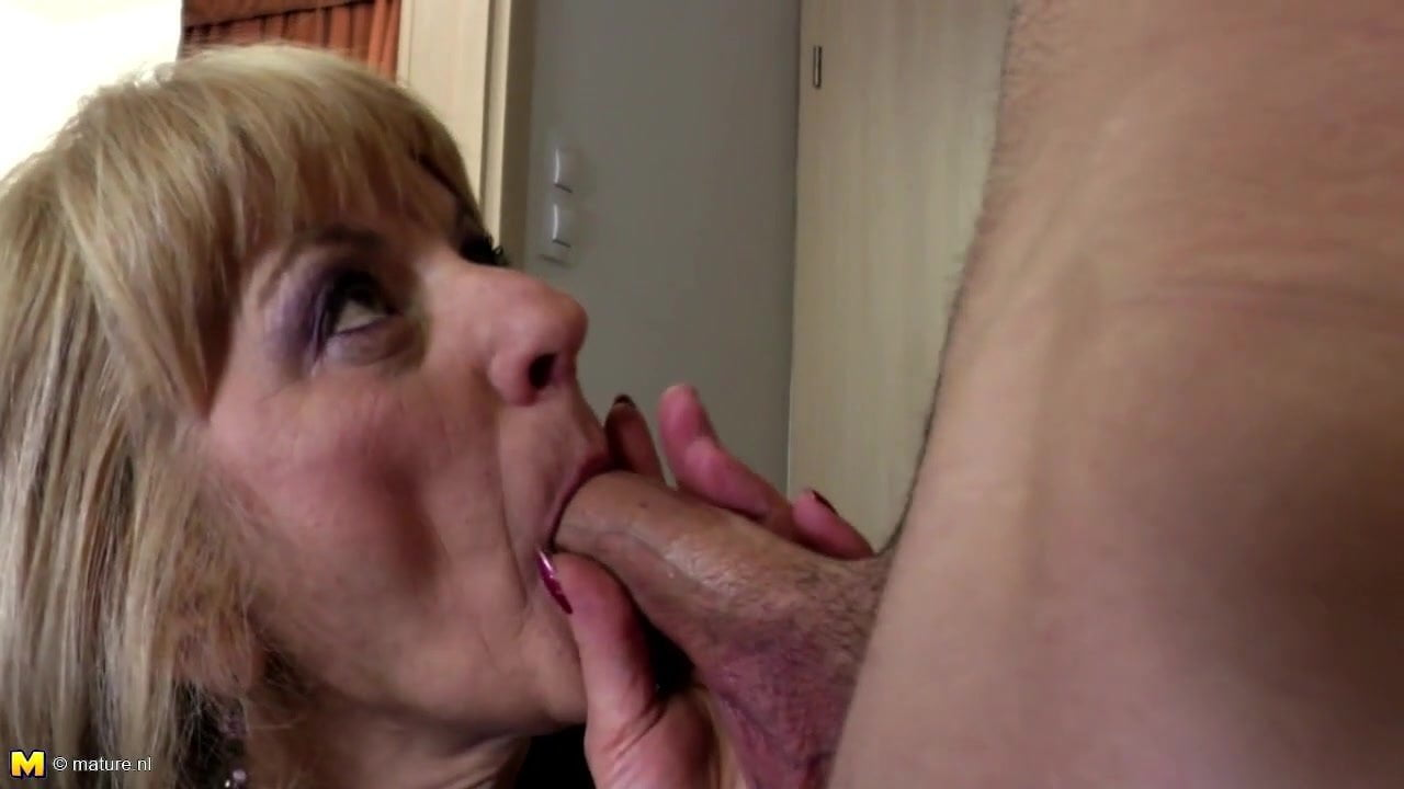 boy girle porn kiss image