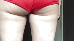 Jiggle jiggle shorts red