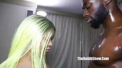 Кинг с большим черным членом Nasir трахает мясистую коротышку Redbone Vixen Vanity