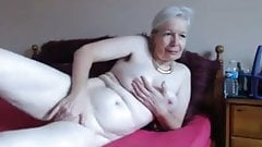 Hot granny on cam
