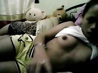 Teen Filipina Show Her Body Part-1
