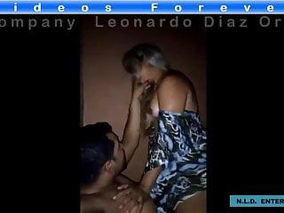 Esposa safada levando ferro do marido