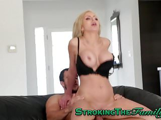 black housewife solah laflare is swallowing a stiff cock