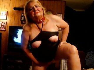 Pigdebbie gettingready for a night out
