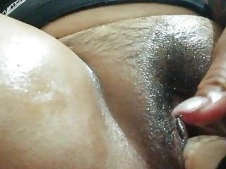 culona chilena masturbandose