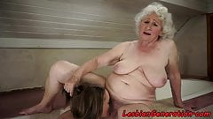 Hugetits granny getting her pussy pleasured 's Thumb