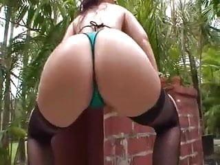 Caroline Pierce Got A Nice Booty