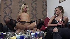 Blonde Amateur Ridding single Cocks at Home Swingers