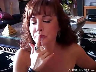 Beautiful busty mature latina gives an amazing blowjob