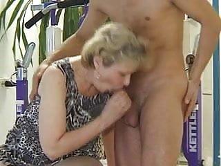 Download video bokep GRANNY sex power! #2 Mp4 terbaru