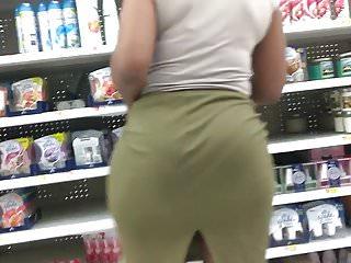 Plump Booty MILF VPL in Green Skirt