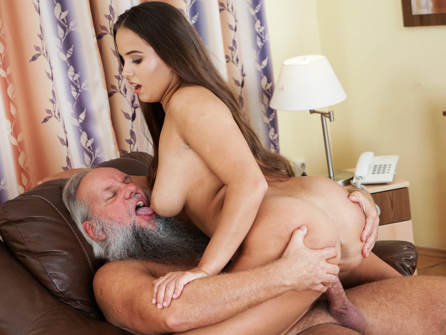 Смотреть порно бородатый старик, порно трусы белые фото