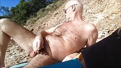 je me branle sur la plage