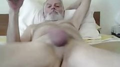 horny str8 daddy show sweet hole!
