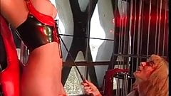 2 hotties into BDSM action