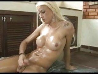 Sexy Tranny Dany De Castro Oils Up And Jerks