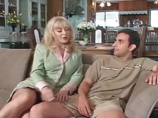 Lonely mature stepmoms - Lonely milf seduces sons friend - cireman