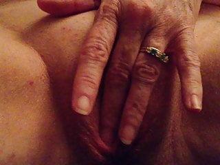 Download video bokep Anne, 51 Fingering Herself 2 Mp4 terbaru