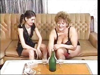 Mature Granny Fucking pt 1 www.mmacomments.com .avi