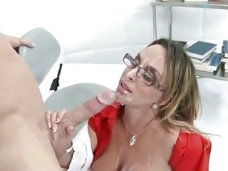 Gorgeous Holly Halston Gets Messy Facial Cumshot
